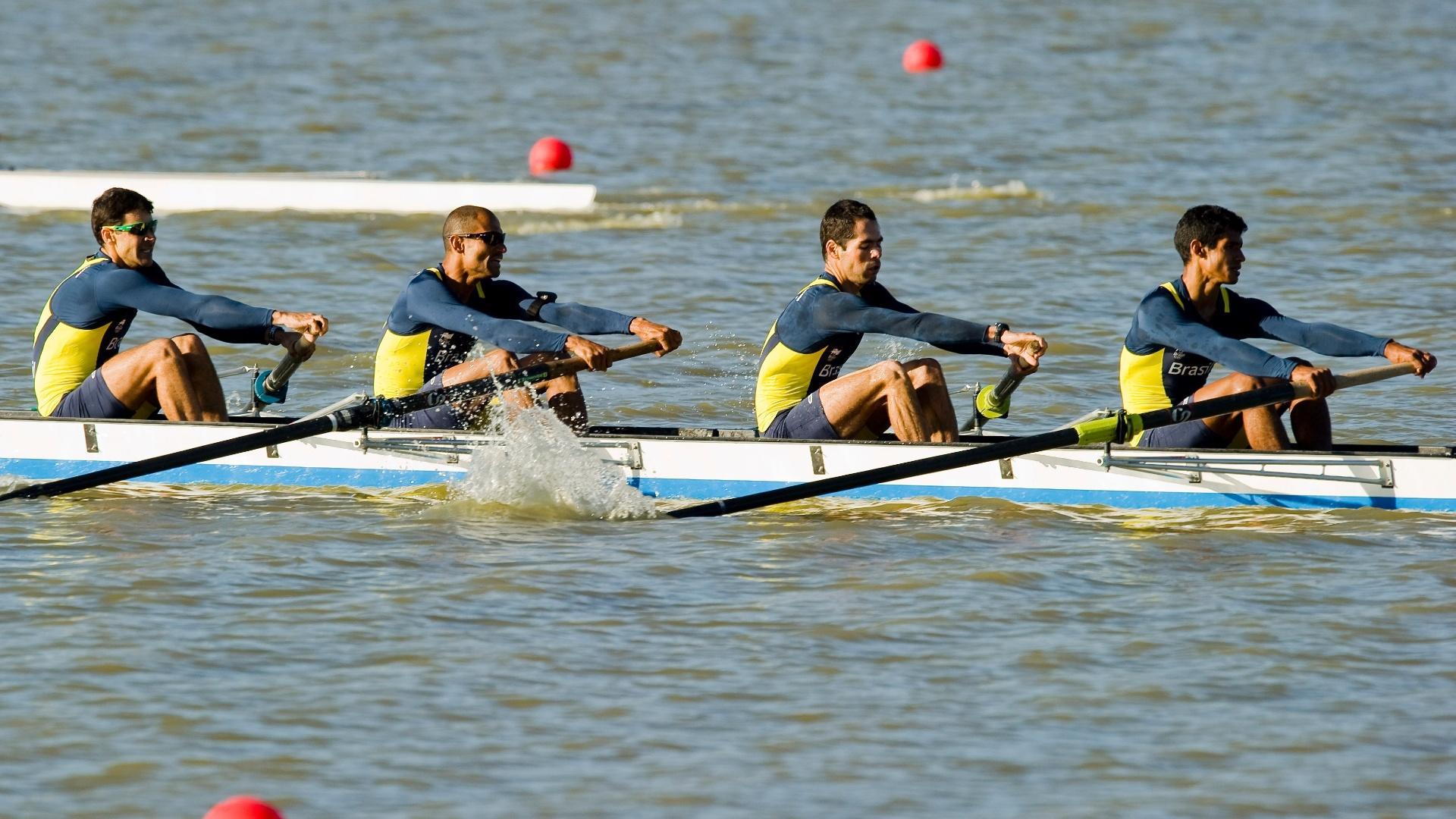 A equipe do Brasil nos quatro sem leve, formada por Sobral Júnior, Thiago Almeida, Celio Amorim e Ailson Silva, terminou na 3ª colocação e foi para a repescagem (16/10/2011)