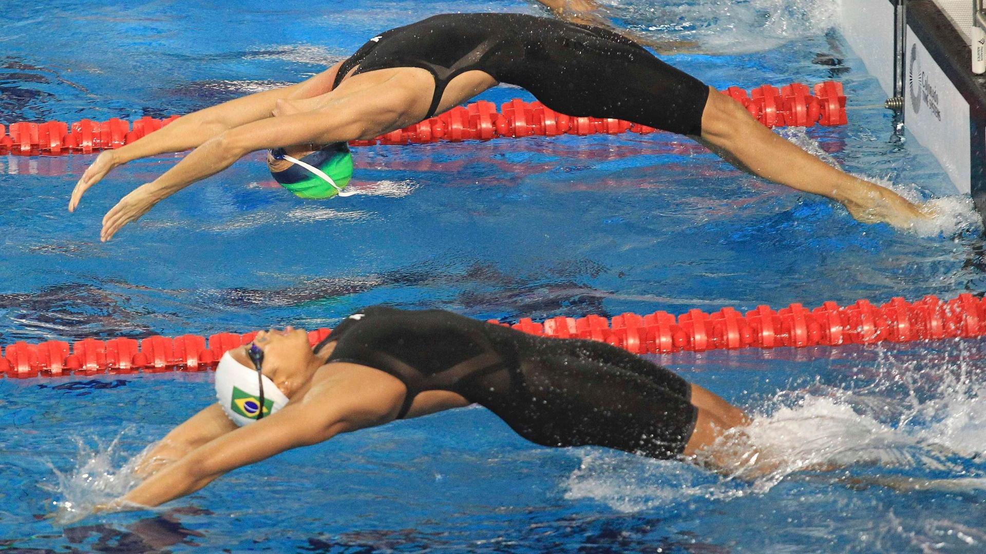 Brasileiras Fabiana Molina (acima) e Etiene Medeiros iniciam eliminatória dos 100m costas. Molina garante vaga na final, enquanto Medeiros fica fora (16/10/2011)