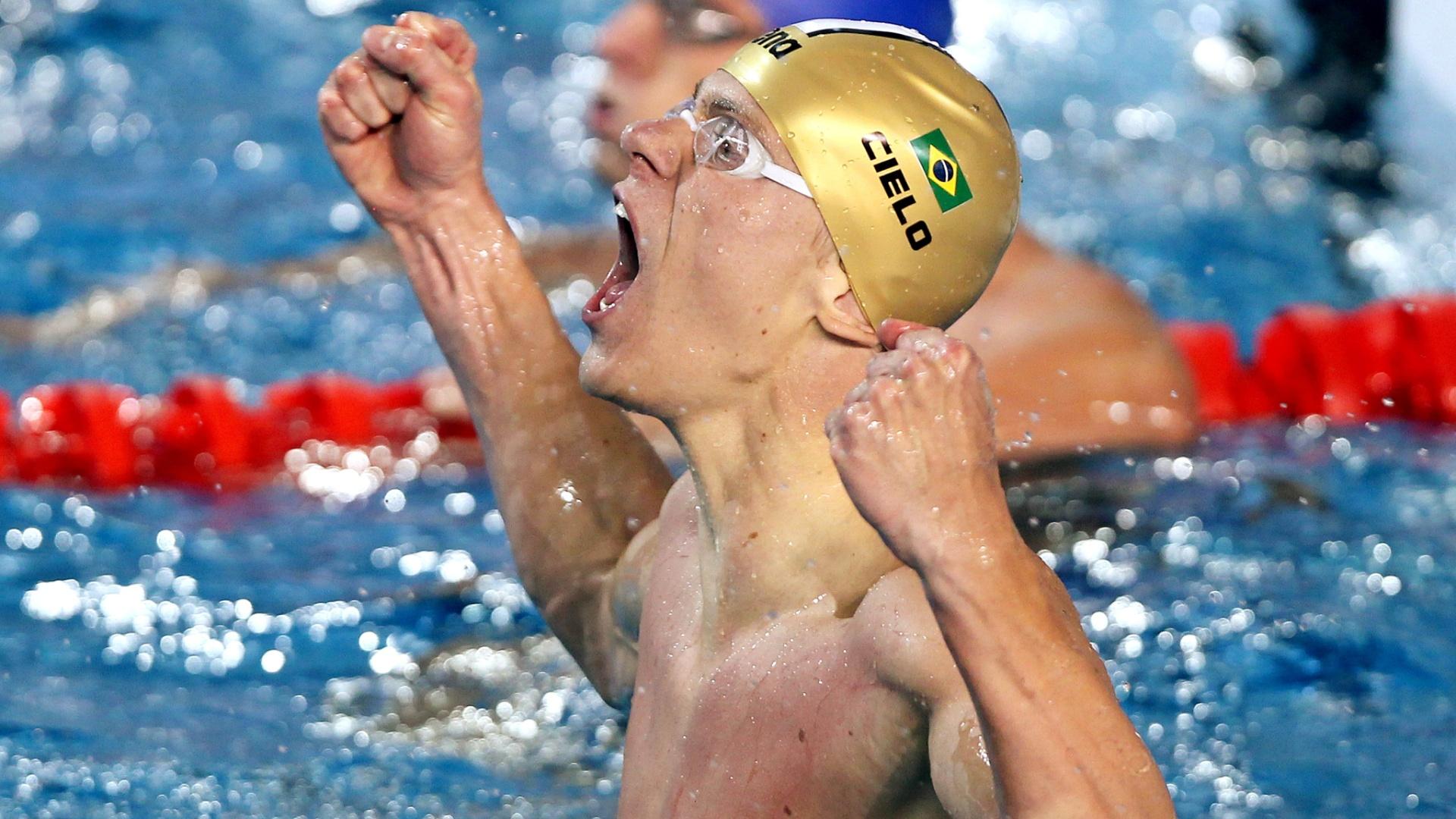 Cesar Cielo venceu os 100m livre com o tempo de 47s84 e bateu o recorde do campeonato (16/10/2011)