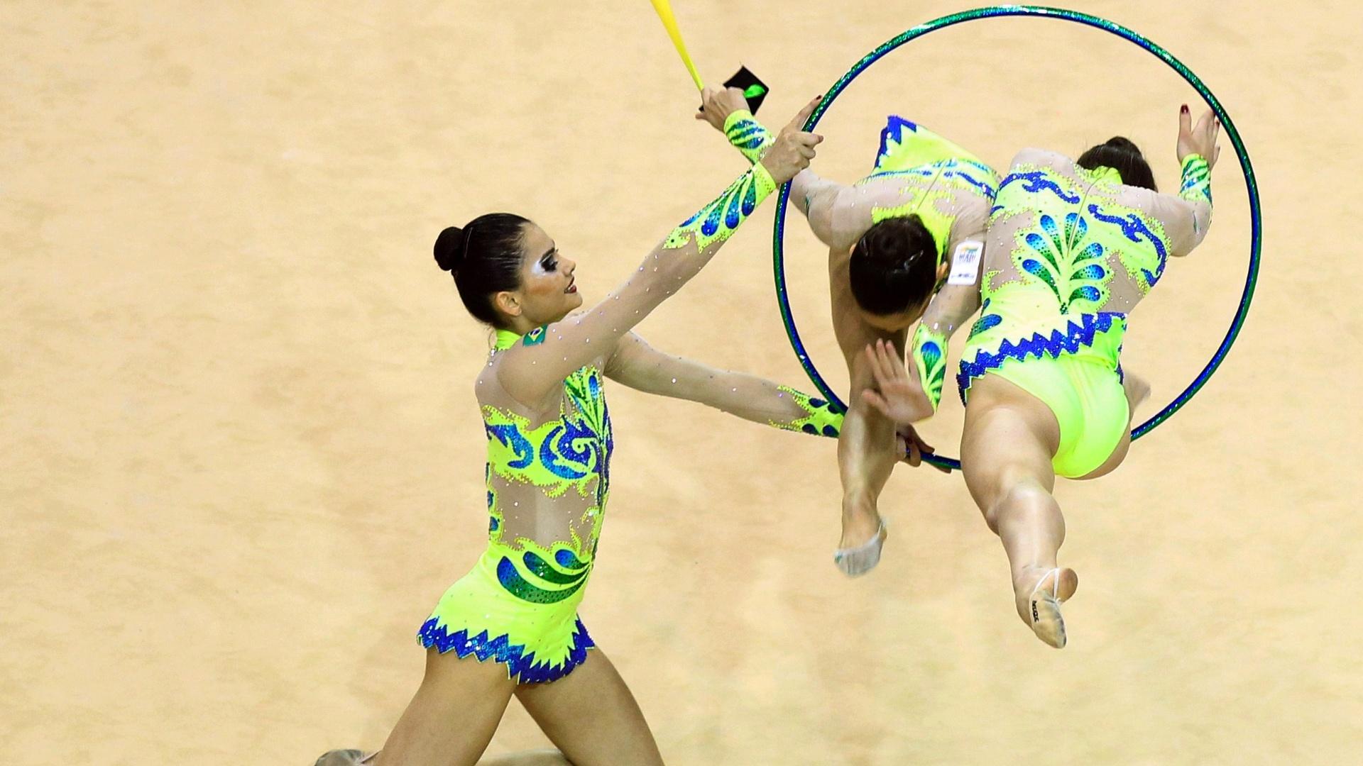 Equipe de ginástica rítmica durante a apresentação que deu o segundo ouro ao Brasil no Pan de Guadalajara