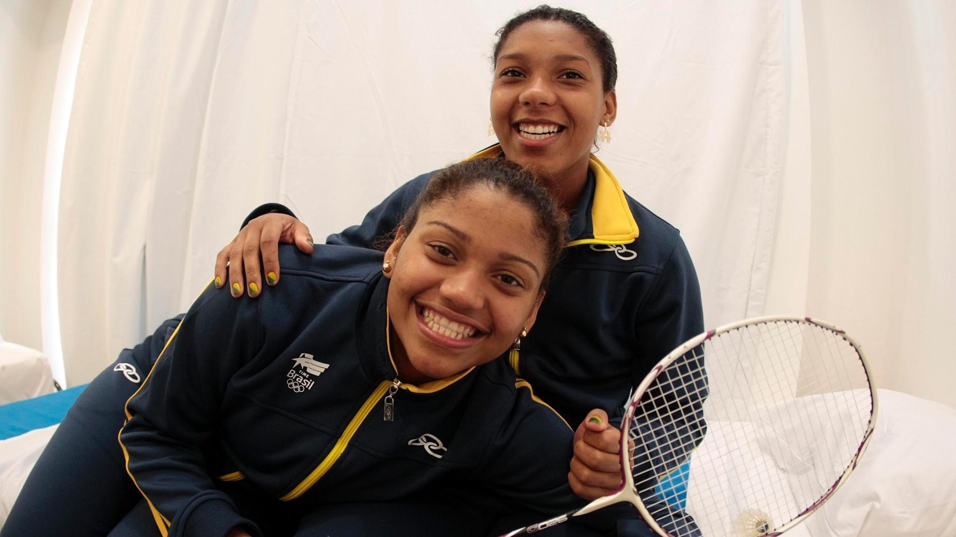 As irmãs Luana Vicente (direita) e Lohaynny Oliveira, do Badminton
