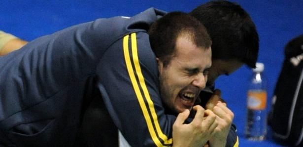 Daniel Paiola vibrou muito após a vitória que garantiu ao menos o bronze no badminton