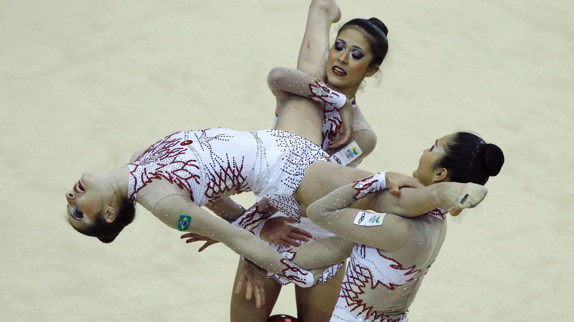 Equipe da ginástica rítmica conquistou o segundo ouro no Pan, depois de vencer a disputa na prova das 5 bolas (17/10/2011)