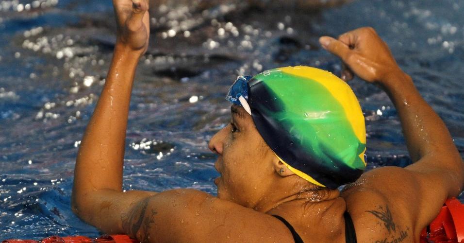 Joanna Maranhão lamenta ficar em quarto lugar na final dos 200 m borboleta, a só um posto do seu segundo pódio no Pan-2011 (17/10/2011)