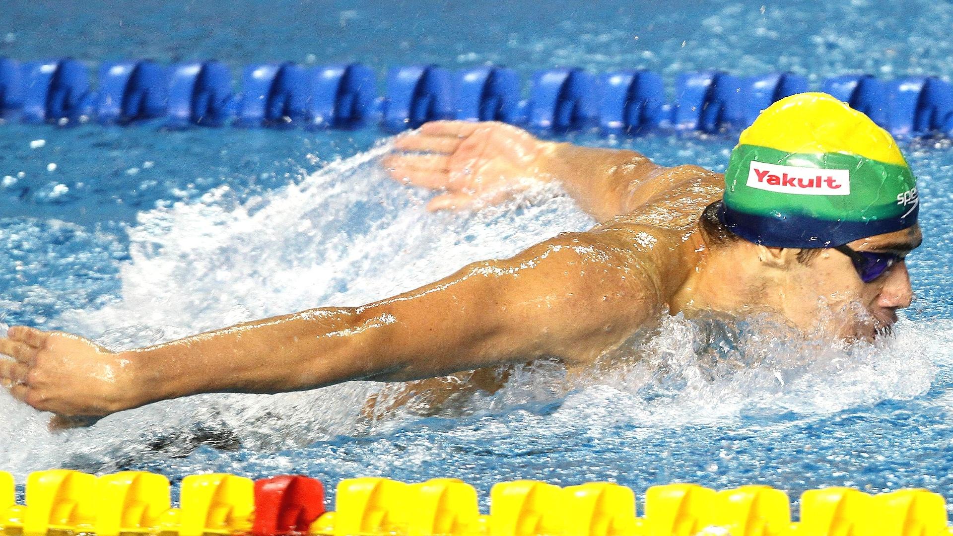 Leonardo de Deus nada com patrocinador considerado irregular em sua touca, nos 200 m borboleta; nadador bateu na frente, mas foi desclassificado