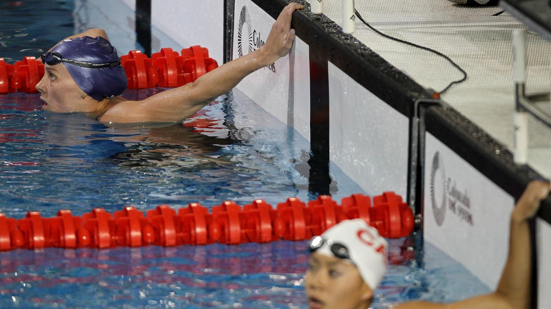 Manuella Lyrio (acima) caiu na água e não se classificou para a final dos 400m livre (17/10/2011)
