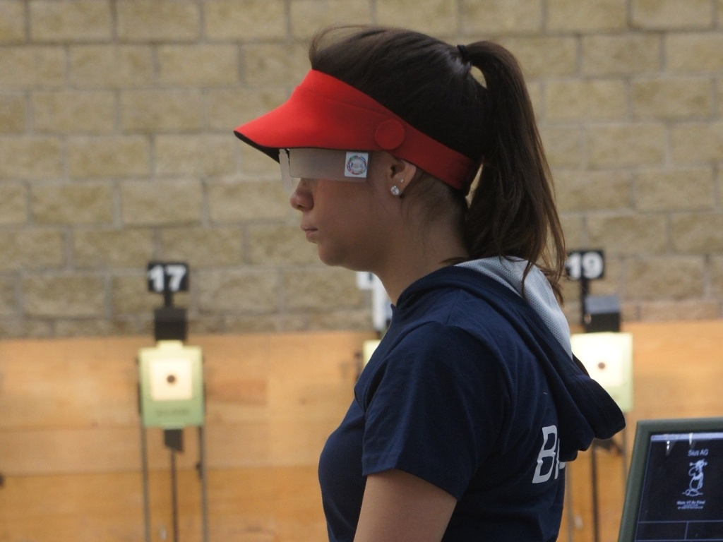 Thaís Moura, atleta do tiro esportivo, pretende trabalhar como delegada ou juíza após se formar