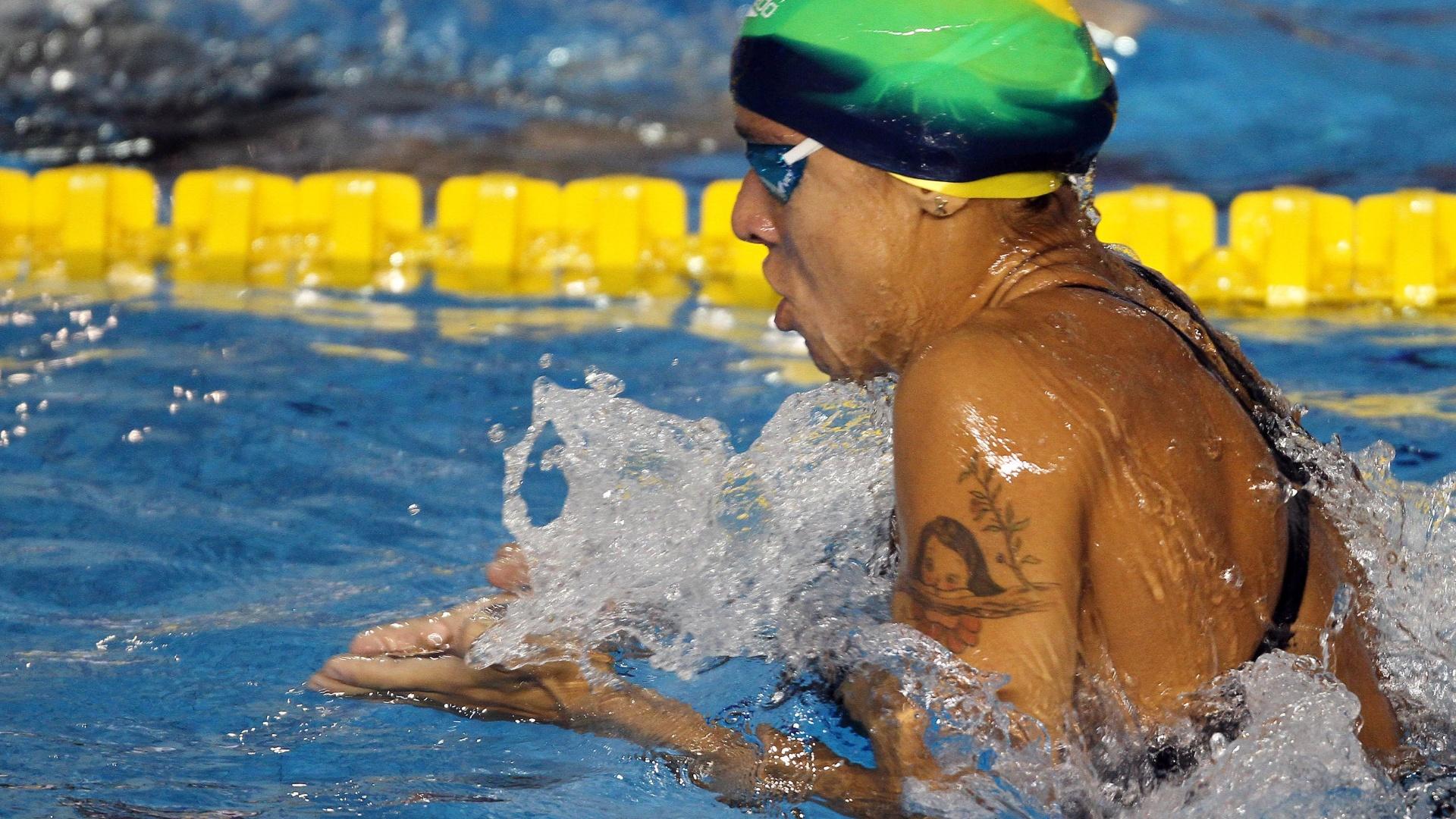 Joanna Maranhão avançou à final dos 200 m medley com o terceiro melhor tempo (18/10/2011)