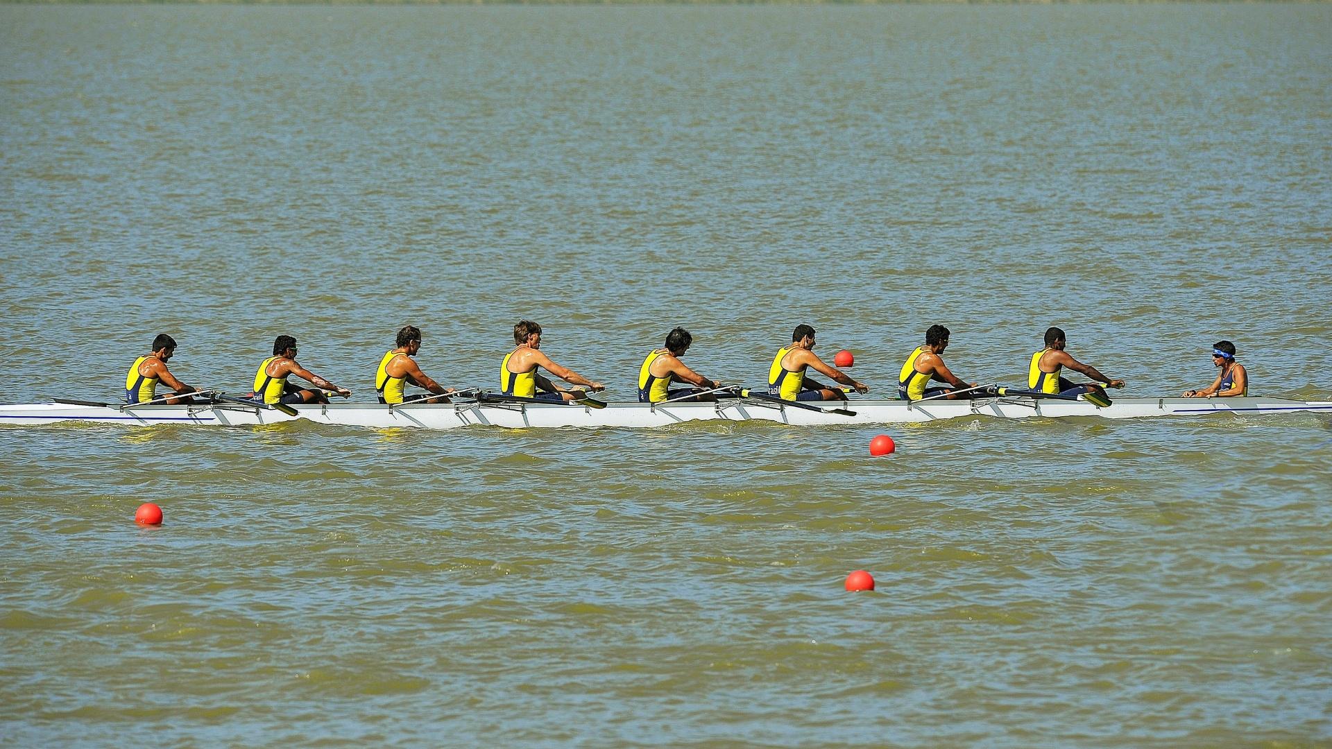 A equipe brasileira dos oito com ficou na última colocação na disputa da final no Pan de Guadalajara (19/10/2011)