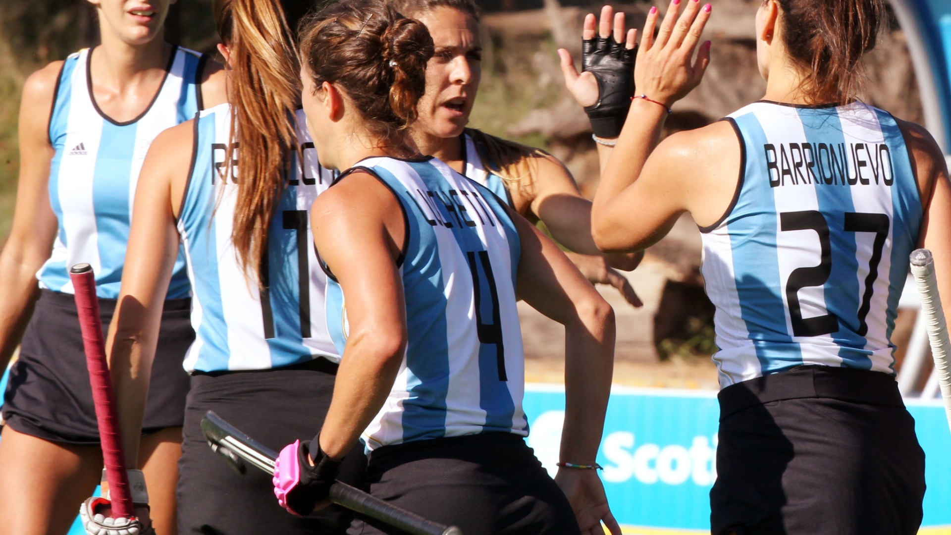 As Leonas, como são conhecidas as jogadoras da seleção argentina de hóquei na grama, estrearam com vitória em Guadalajara (18/10/2011)