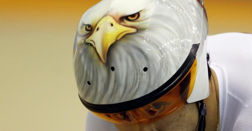 Colombiano Juan Arango compete nas eliminatórias do ciclismo do Pan de Guadalajara com capacete personalizado