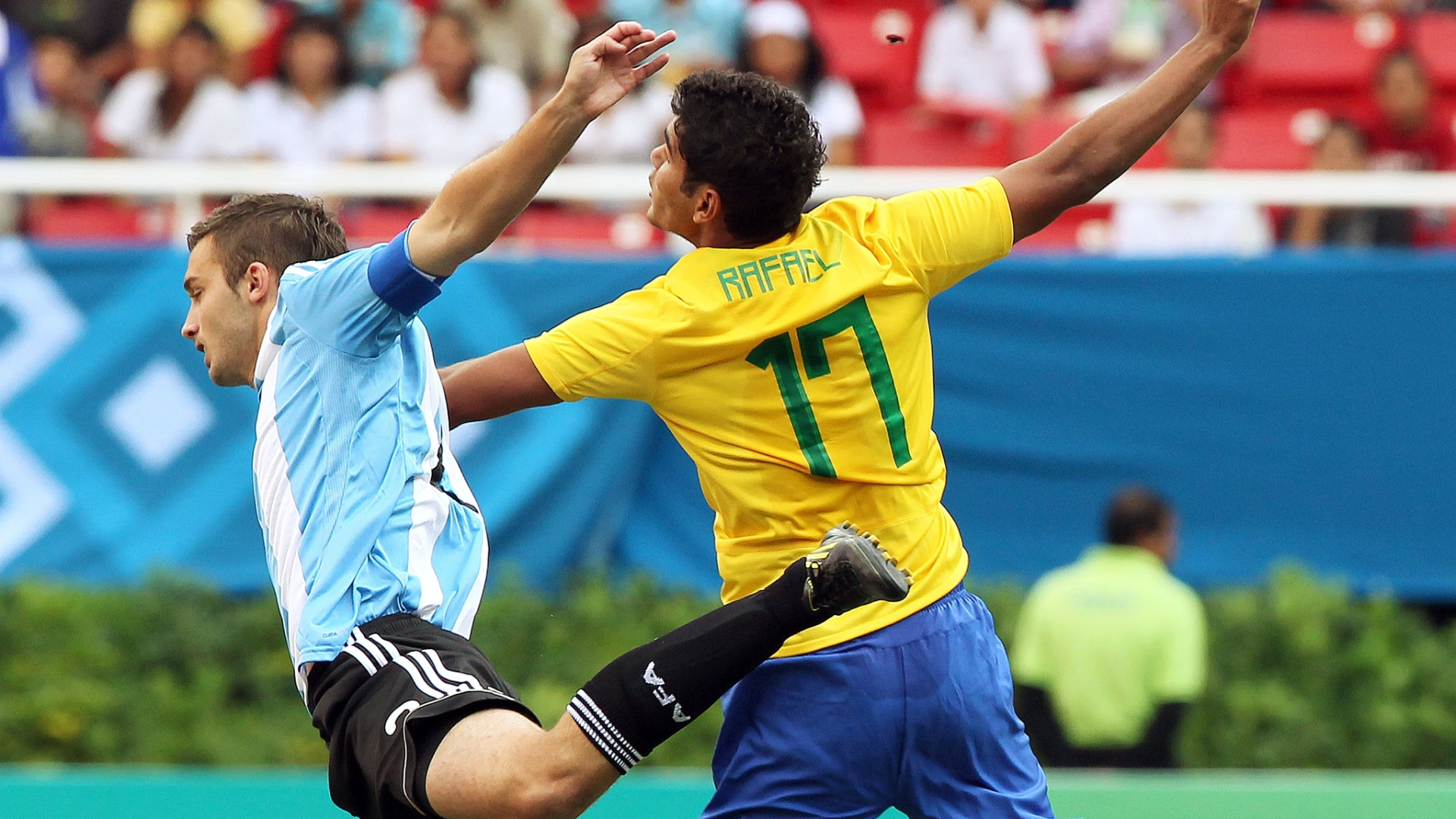 O Brasil enfrentou a Argentina em seu jogo de estreia no Pan de Guadalajara no futebol e empatou por 1 a 1 (19/10/2011)