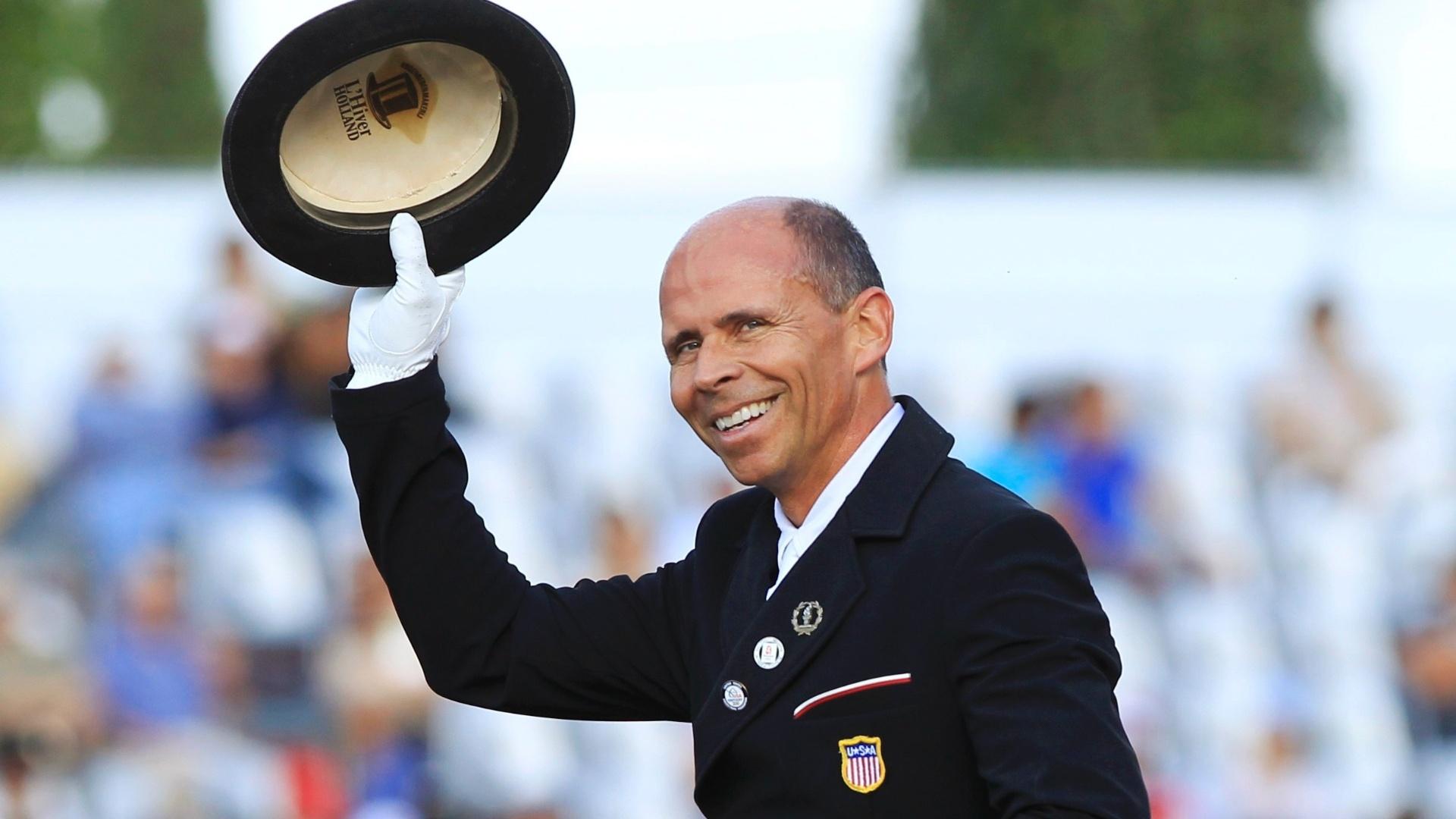 Steffen Peters, dos Estados Unidos venceu a prova de adestramento individuais nos Jogos de Guadalajara
