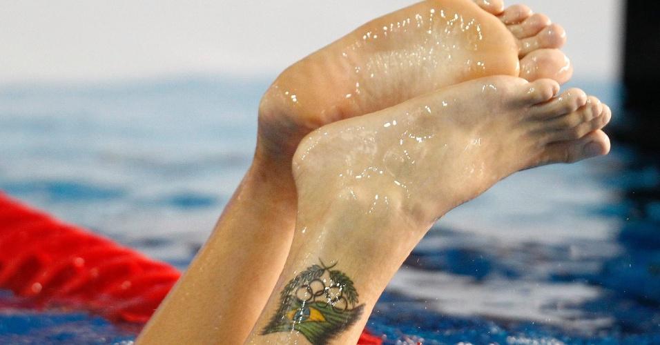 Thiago Pereira sai da água e deixa a sua tatuagem a mostra (19/10/2011)