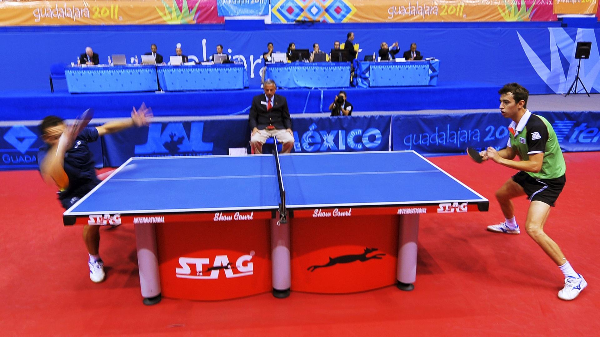 Thiago Monteiro perde para o mexicano Marcos Madrid nas quartas de final do tênis de mesa individual no Pan (20/10/2011)