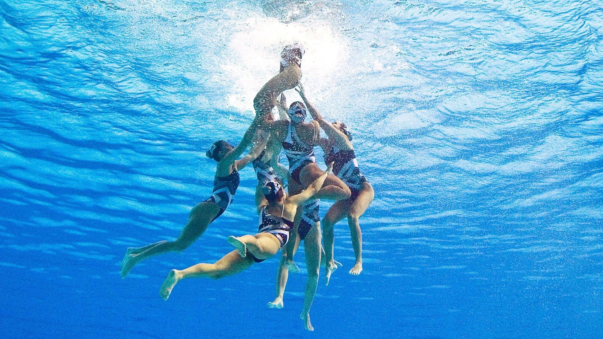 A equipe do nado sincronizado totalizou 176,428 pontos e levou a medalha de bronze (21/10/2011)