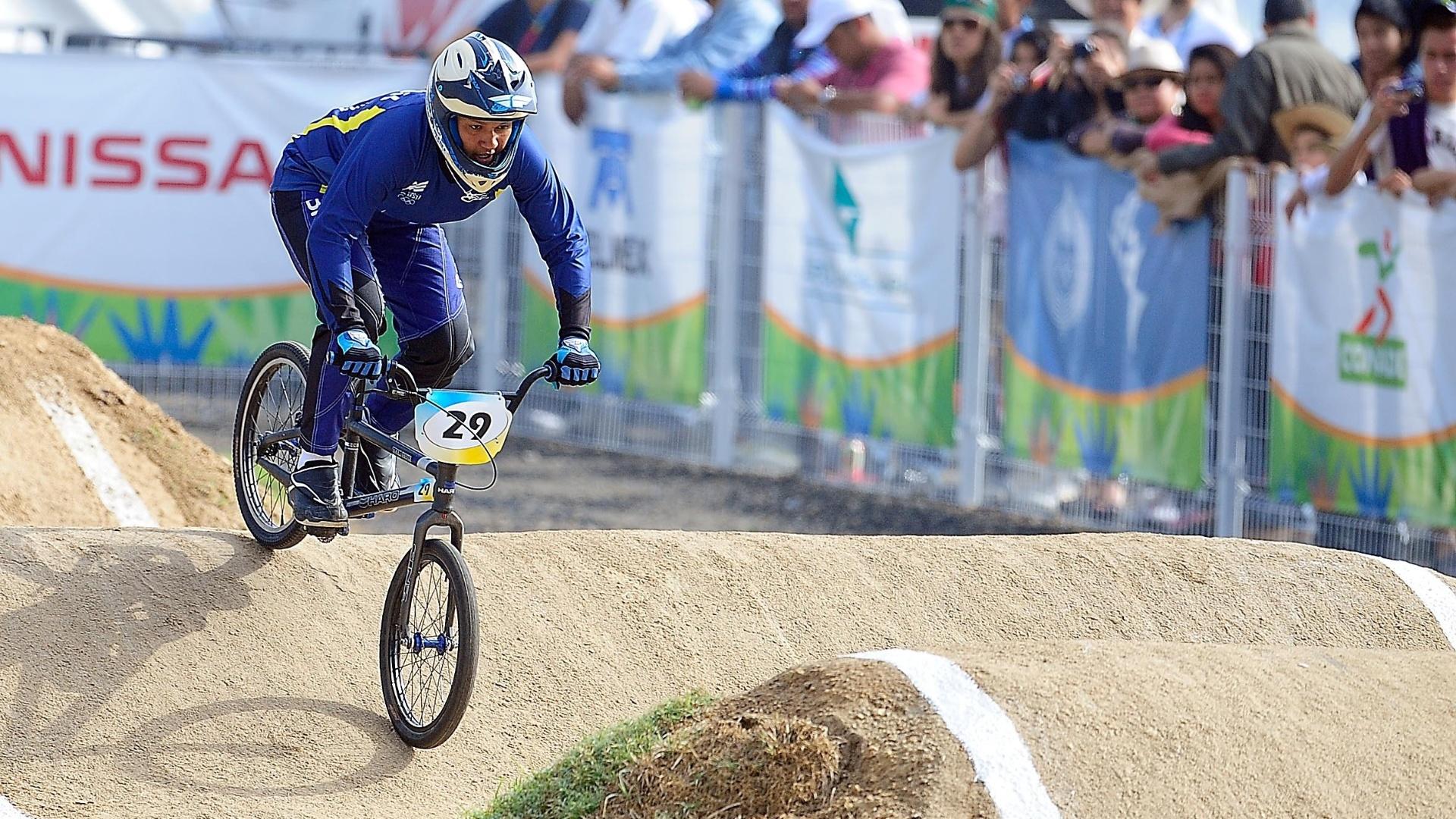 Naiara Silva disputou a final do BMX e terminou na 6ª colocação, com o tempo de 47s94 (21/10/2011)