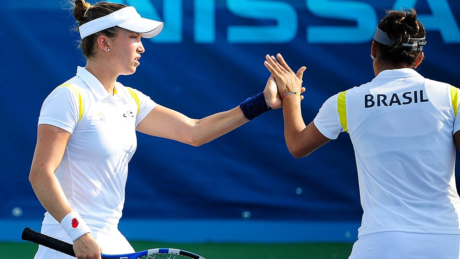 Vivian Segnini e Teliana Pereira perdem para dupla colombiana na disputa da medalha de bronze nas duplas do Pan (21/10/2011)