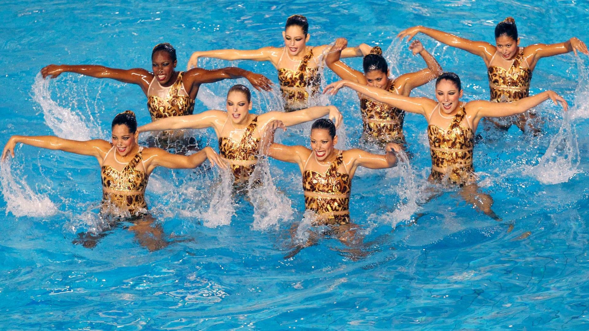 Equipe do nado sincronizado de Aruba durante apresentação no Pan de Guadalajara-2011