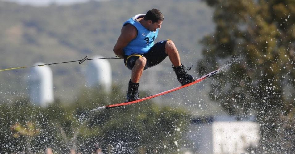 Marreco ficou com a medalha de bronze no wakeboard (22/10/2011)