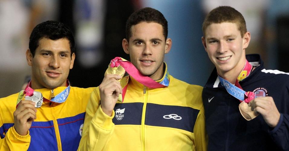 Thiago Pereira ganhou o ouro nos 200 m costas em Guadalajara (21/10/2011)
