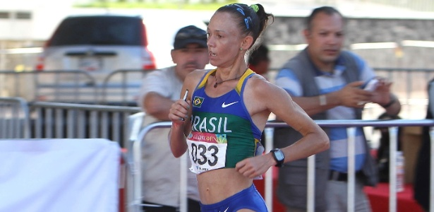 Adriana da Silva imprimiu forte ritmo na segunda metade da maratona e levou o ouro