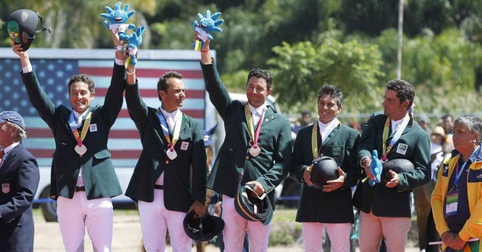Brasileiros do CCE (Conjunto Completo de Equitação) conquistaram a medalha de bronze (23/10/2011)