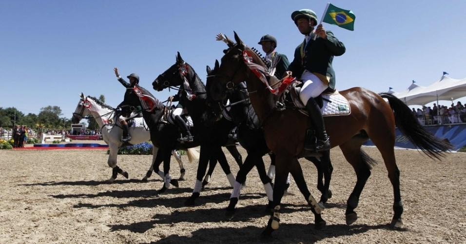 Brasileiros do CCE (Conjunto Completo de Equitação) conquistaram o bronze e a vaga para a Olimpíada de Londres (23/10/2011)