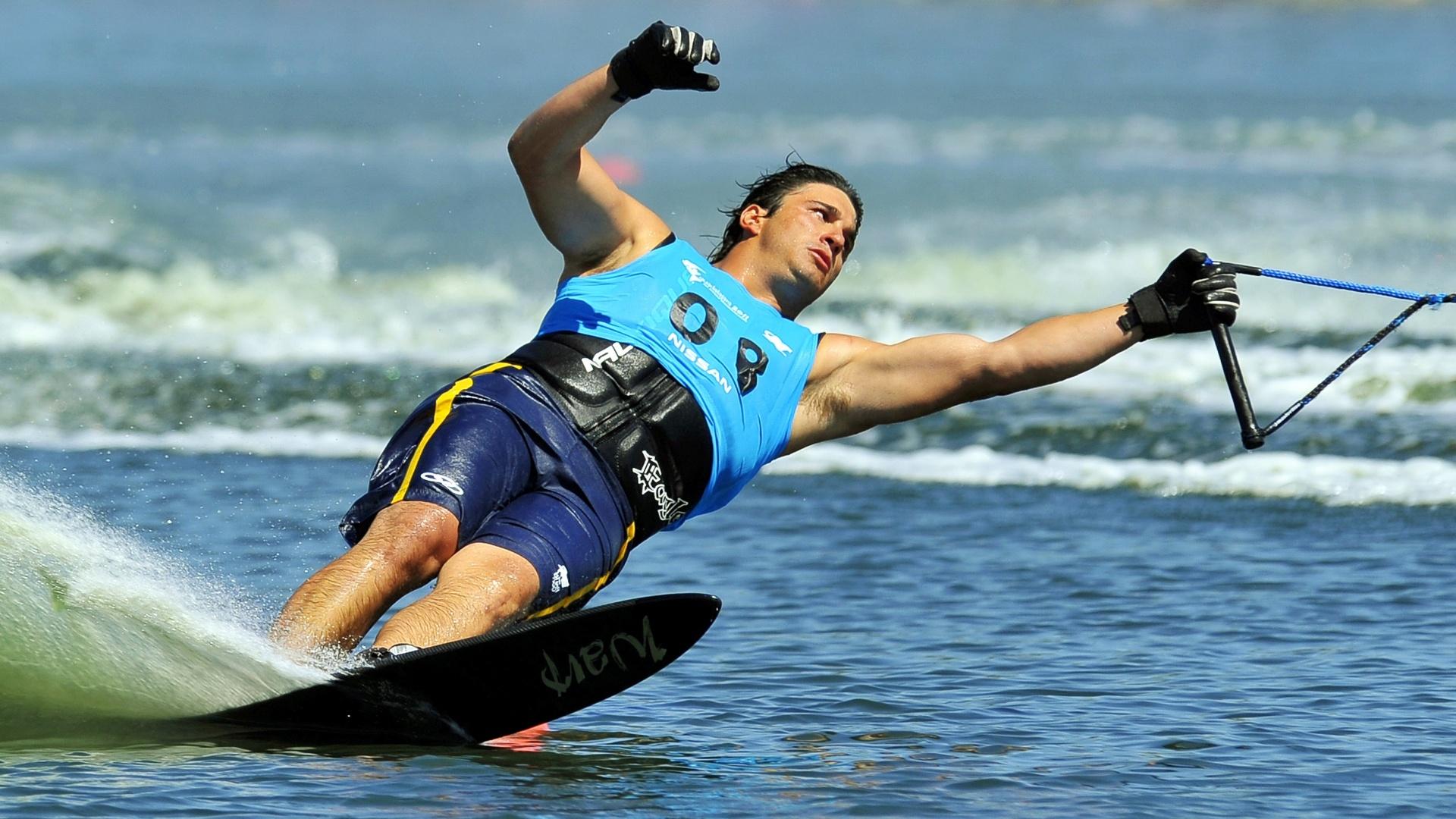 Felipe Neves participou da final do slalom, no esqui aquático, e terminou na 6ª posição (23/10/2011)