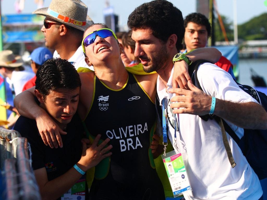 Pâmella Oliveira completou a prova com muitas dificuldades no Pan (23/10/2011)