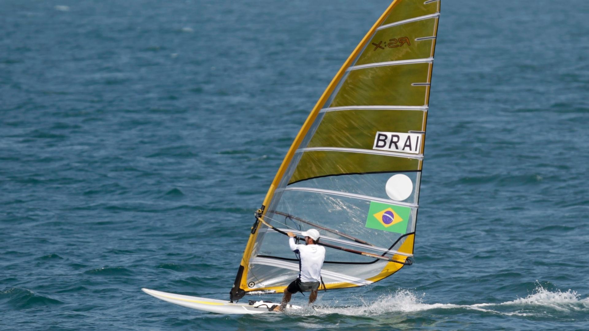 Ricardo Winicki, o Bimba, disputa última regata para conquistar o ouro na classe RS:X da vela no Pan (23/10/2011)