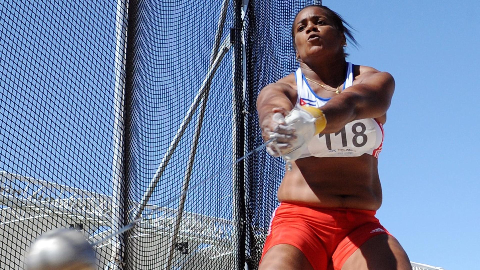 A cubana Yipsi Moreno venceu o arremesso de martelo e quebrou o recorde panamericano em Guadalajara