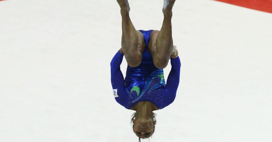 Daiane dos Santos participa de prova de solo da disputa por equipes da ginástica artística