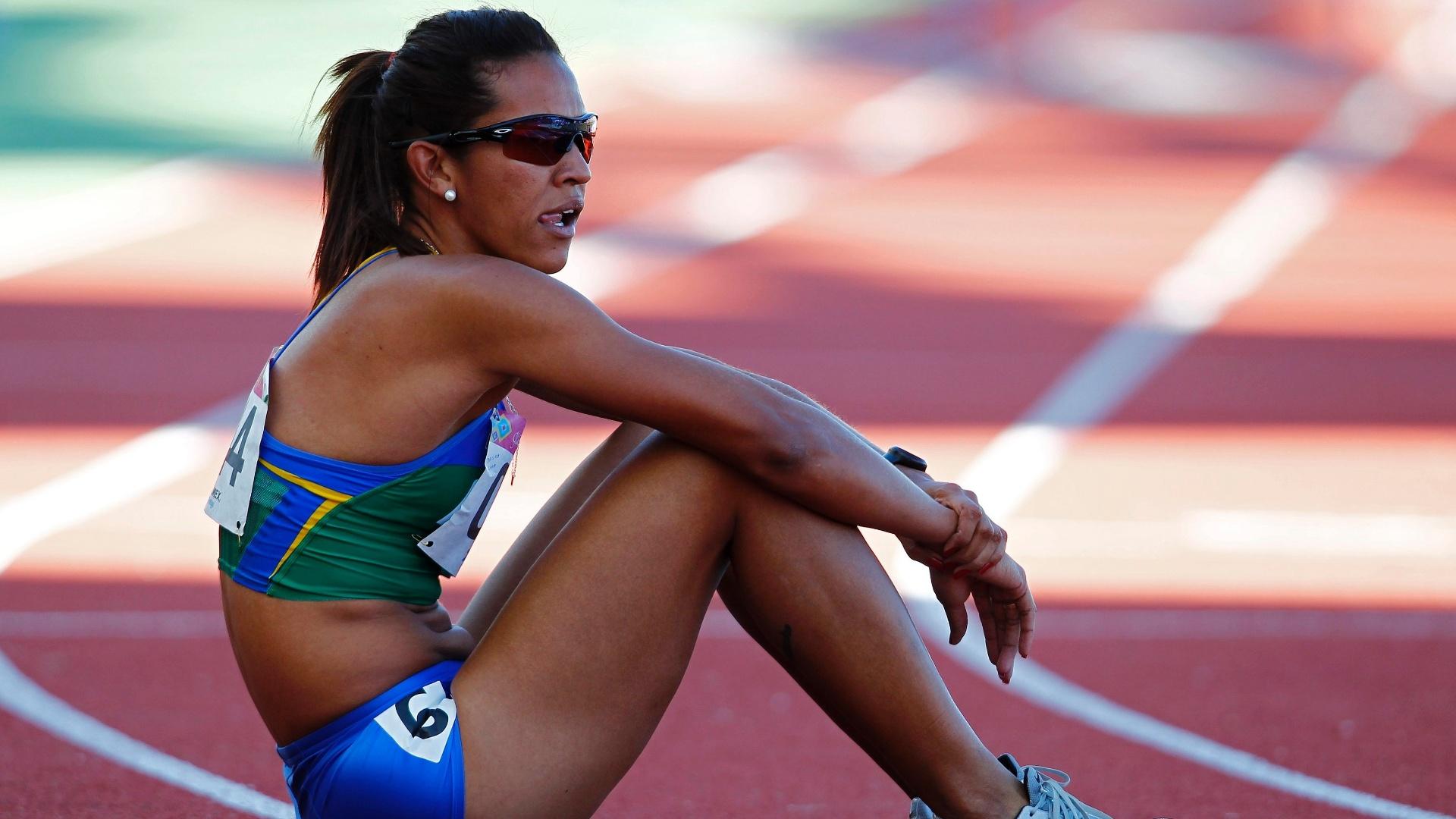 Jailma Lima avançou à final da prova dos 400 m com barreiras (24/10/2011)