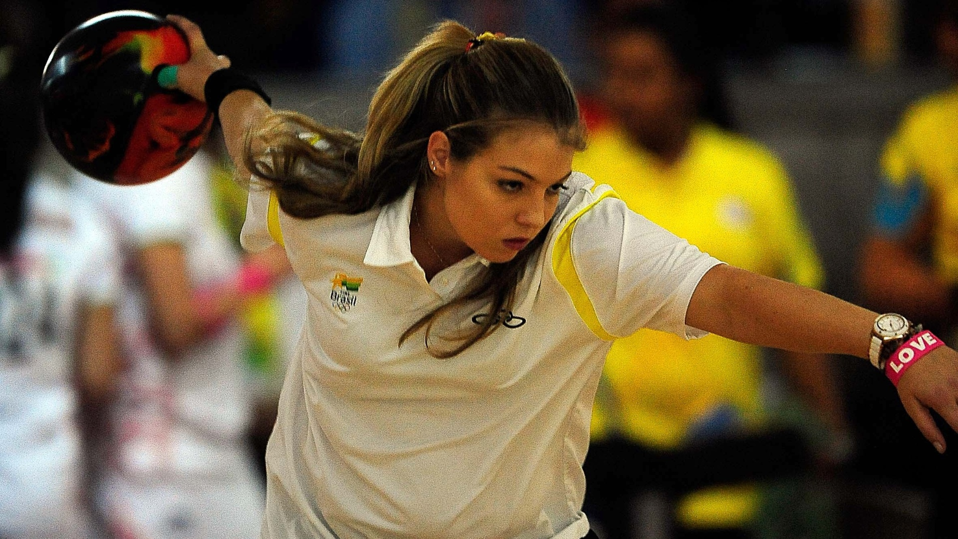 Stephanie Martins disputa competição de duplas do boliche ao lado de Marizete Scheer