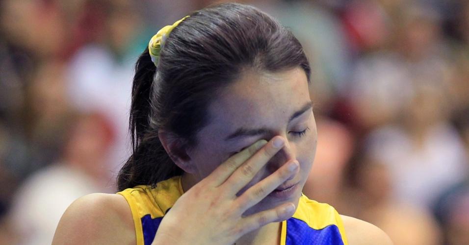 A colombiana Mia Alonso chora após derrota para o México no basquete no Pan
