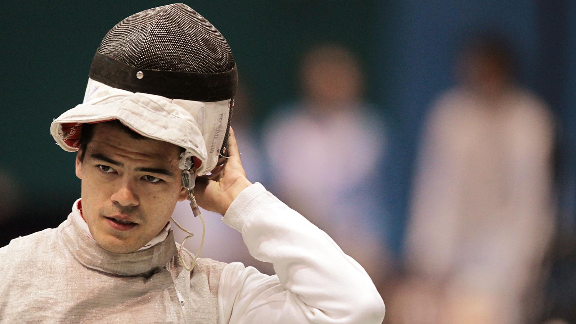 Brasileiro Heitor Shimbo foi eliminado na fase classificatória da disputa do florete masculino (25/10/2011)