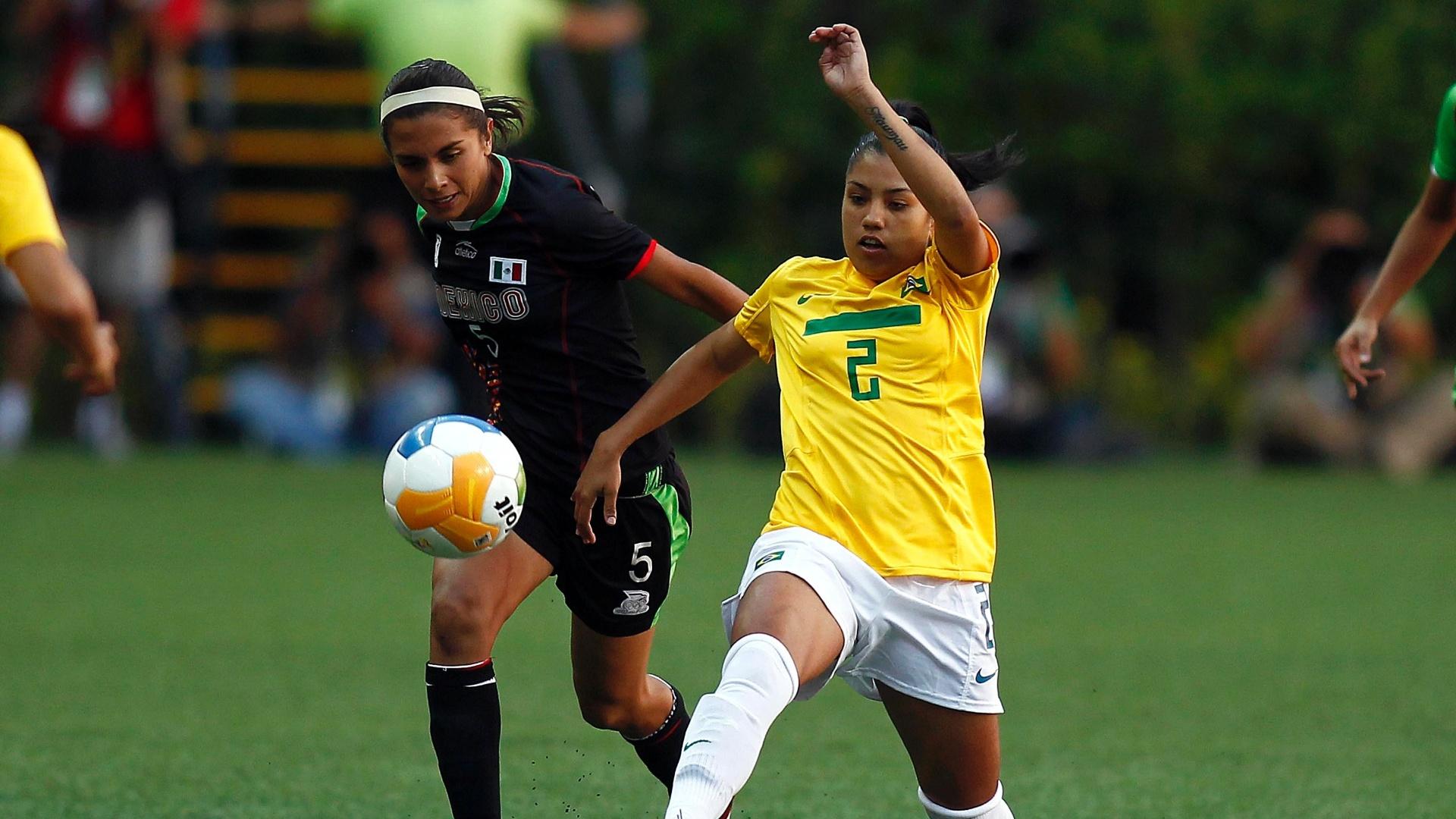 Maurine fez o gol da vitória do Brasil por 1 a 0 sobre o México na semifinal do futebol (25/10/2011)