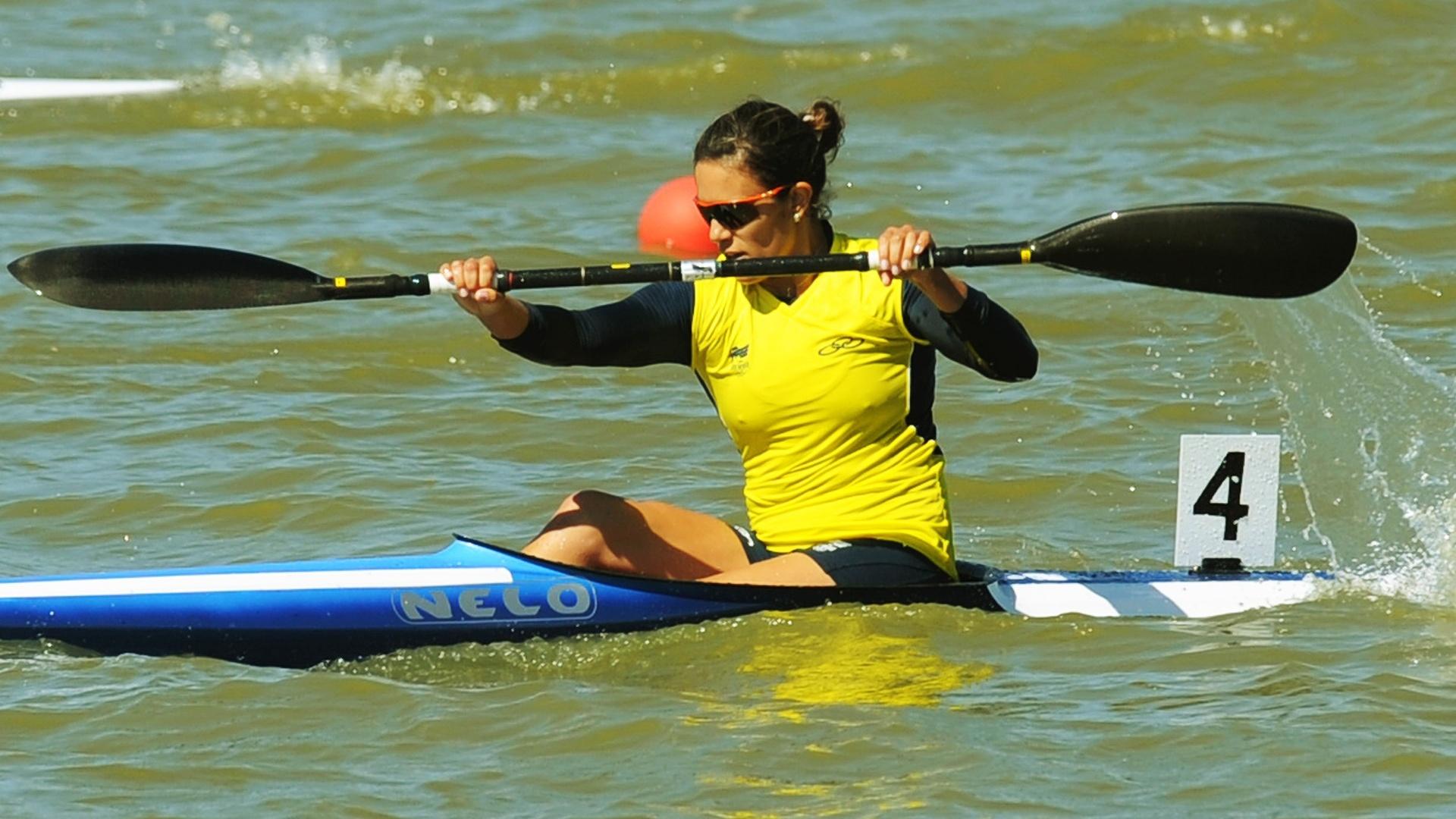 Naiane Pereira se classificou para a semifinal do K1 500 m, na canoagem (26/10/2011)