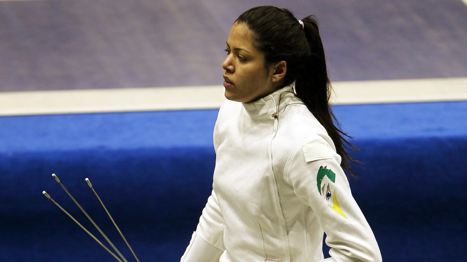 Rayssa Costa foi eliminada nas oitavas de final da espada, na esgrima (26/10/2011)