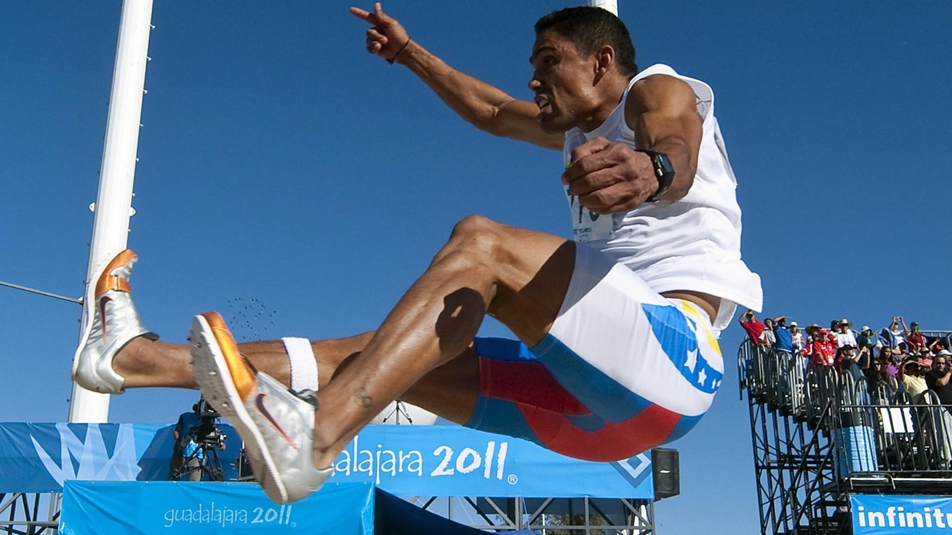 Venezuelano Victor Castillo participou da prova do salto em distância