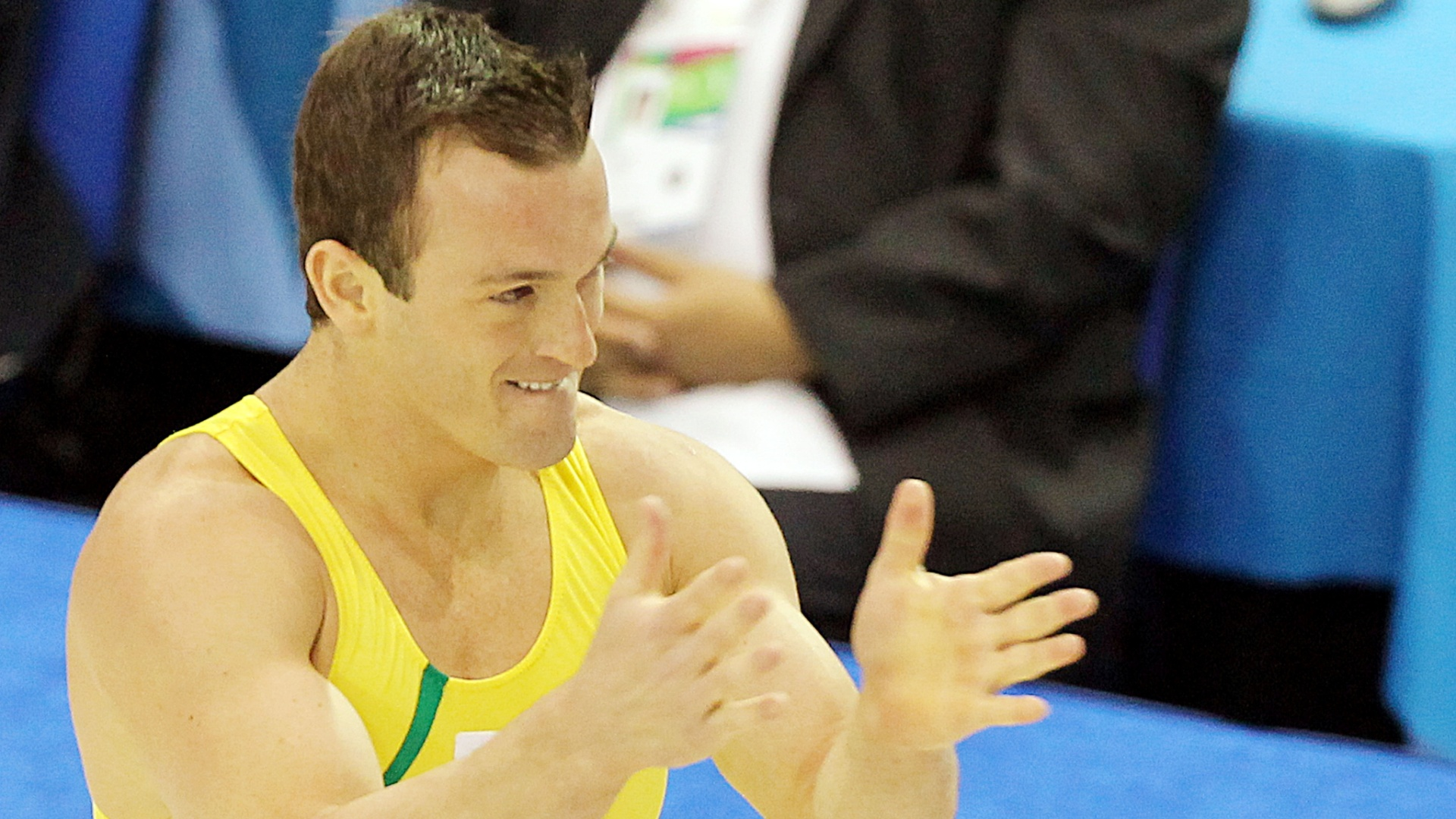 O ginasta Diego Hypólito comemora a medalha de ouro no solo em Guadalajara (27/10/2011)