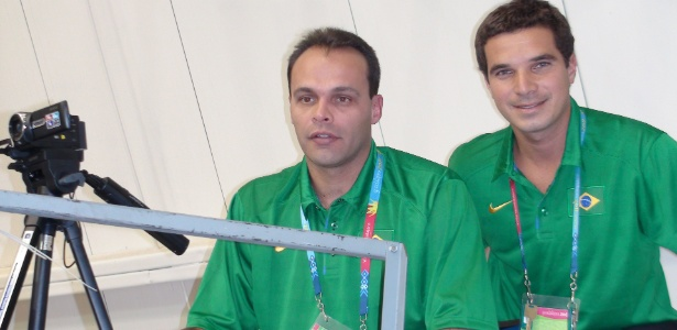 """Vinícius Alvarez (d) é o """"faz tudo""""; Vanderlei Mazzuchini tem no 1º dia de cameraman"""