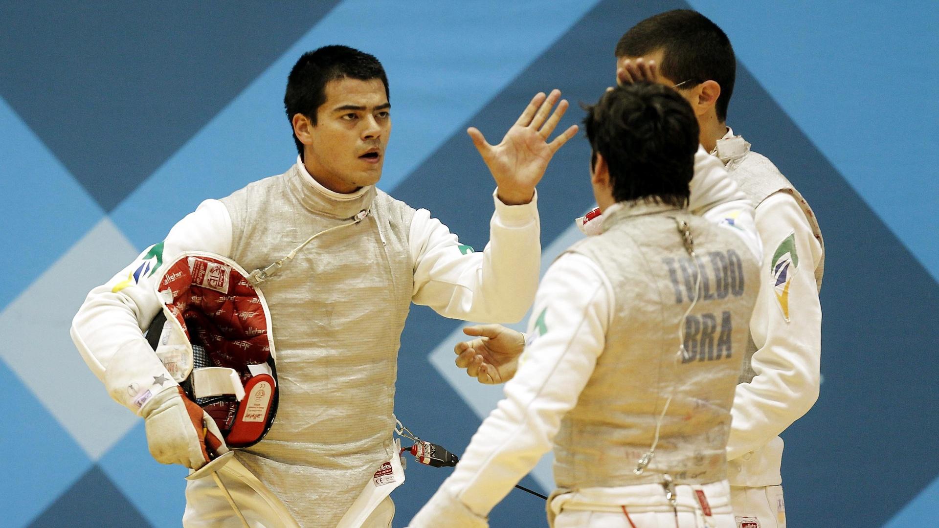 A equipe masculina do florete conquistou o bronze na esgrima, depois de derrotar o México por 45 a 43 (28/10/2011)