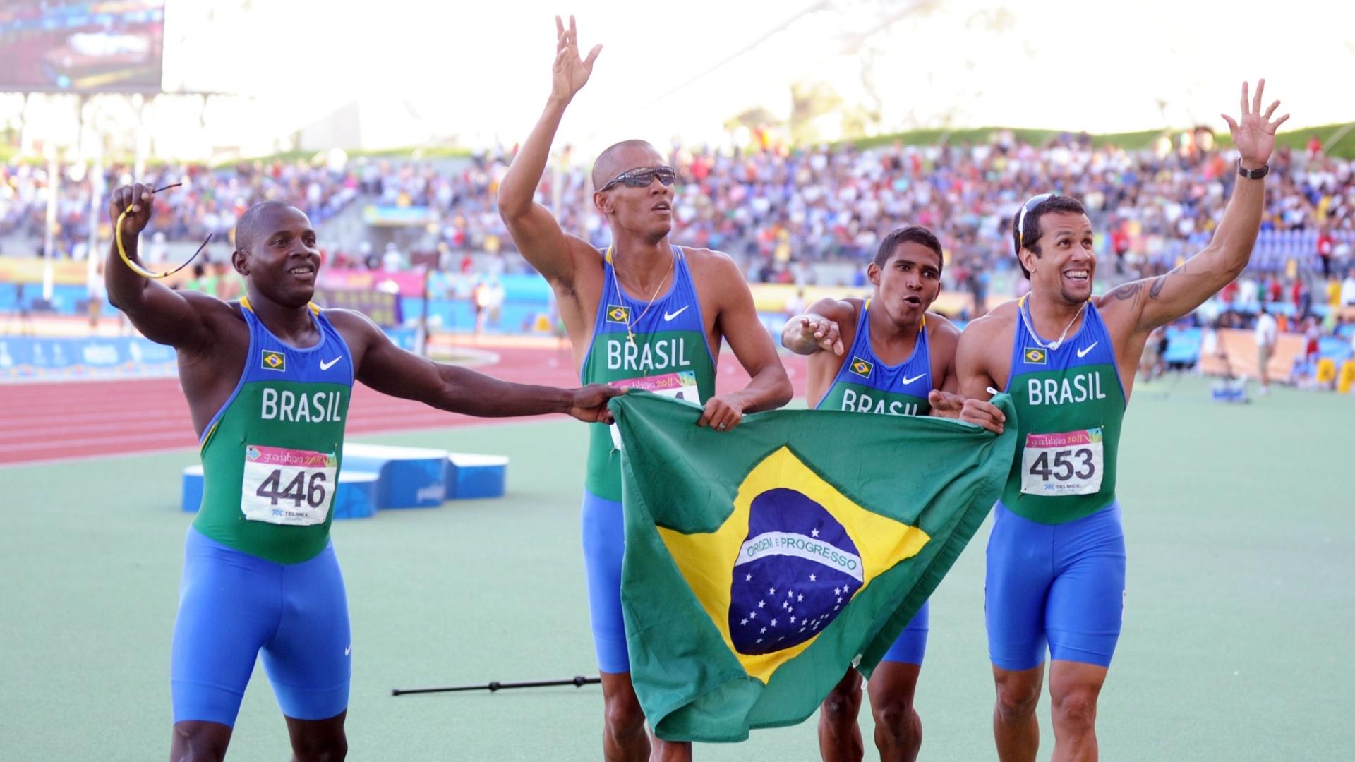 Brasil igualou o recorde panamericano no revezamento 4x100 m, com o tempo de 38s18 (28/10/2011)