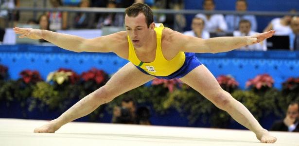 Diego Hypolito foi medalha de ouro no Pan de 2011 e é candidato ao pódio na Olimpíada deste ano