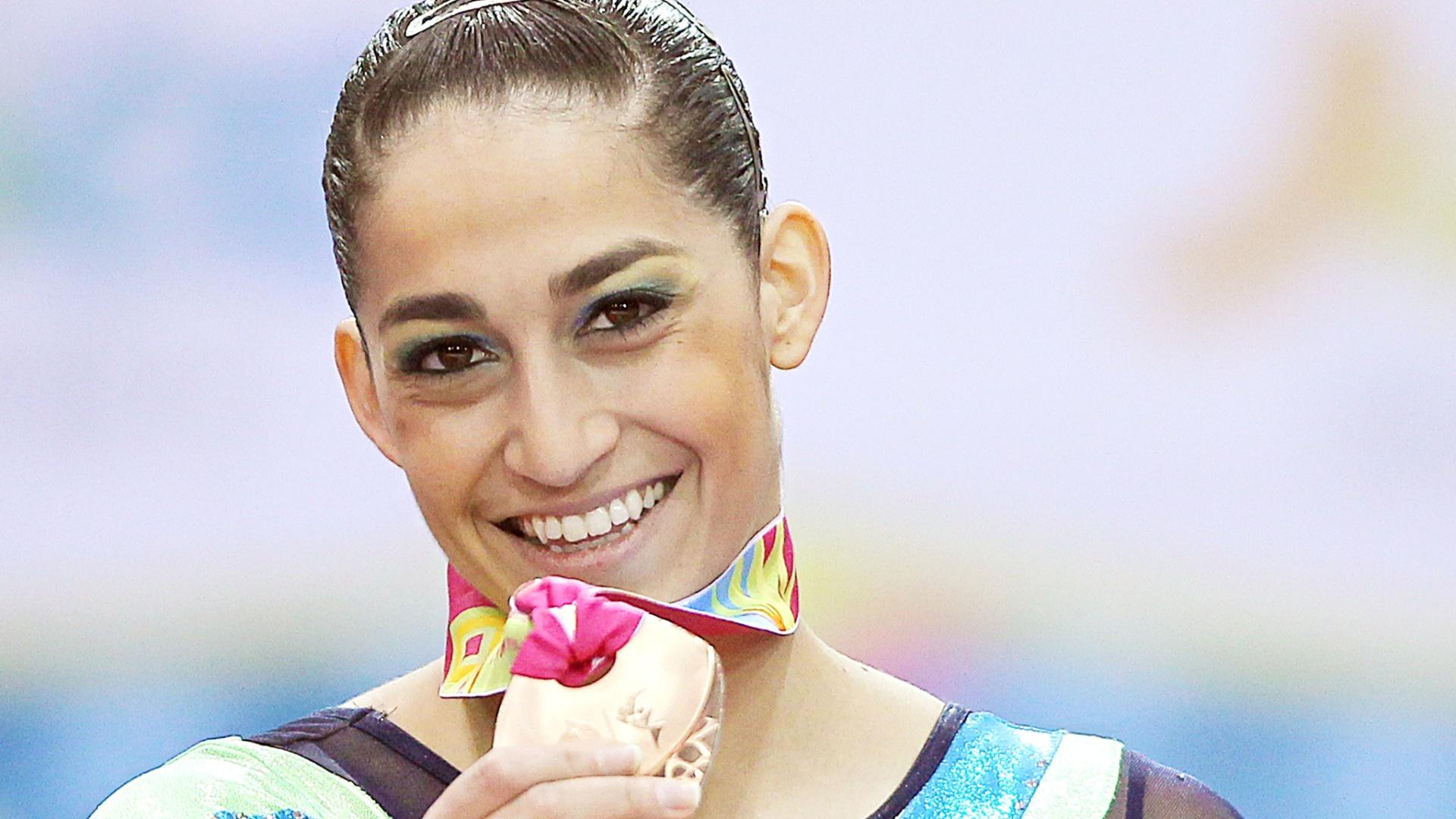 Daniele Hypolito conquista a medalha de bronze na trave nas finais por aparelhos da ginástica artística no Pan-2011