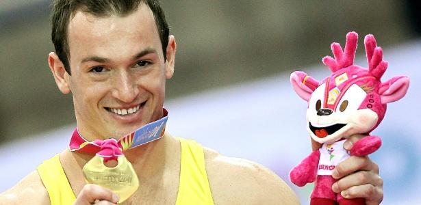 Diego Hypolito fez boa apresentação no salto e conquistou seu terceiro ouro no Pan