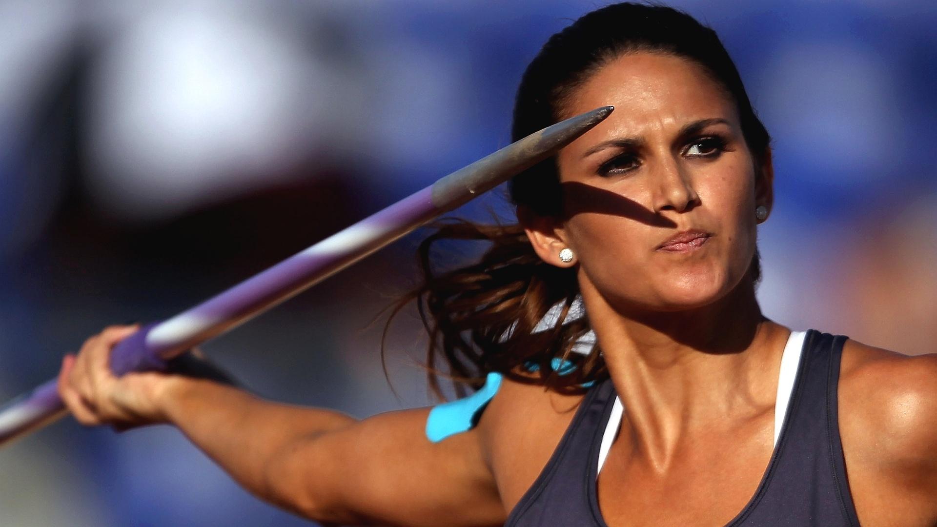 Musa paraguaia Leryn Franco realiza lançamento na prova do dardo, durante o Pan de Guadalajara; ela foi a 13ª colocada, apenas (27/10/2011)