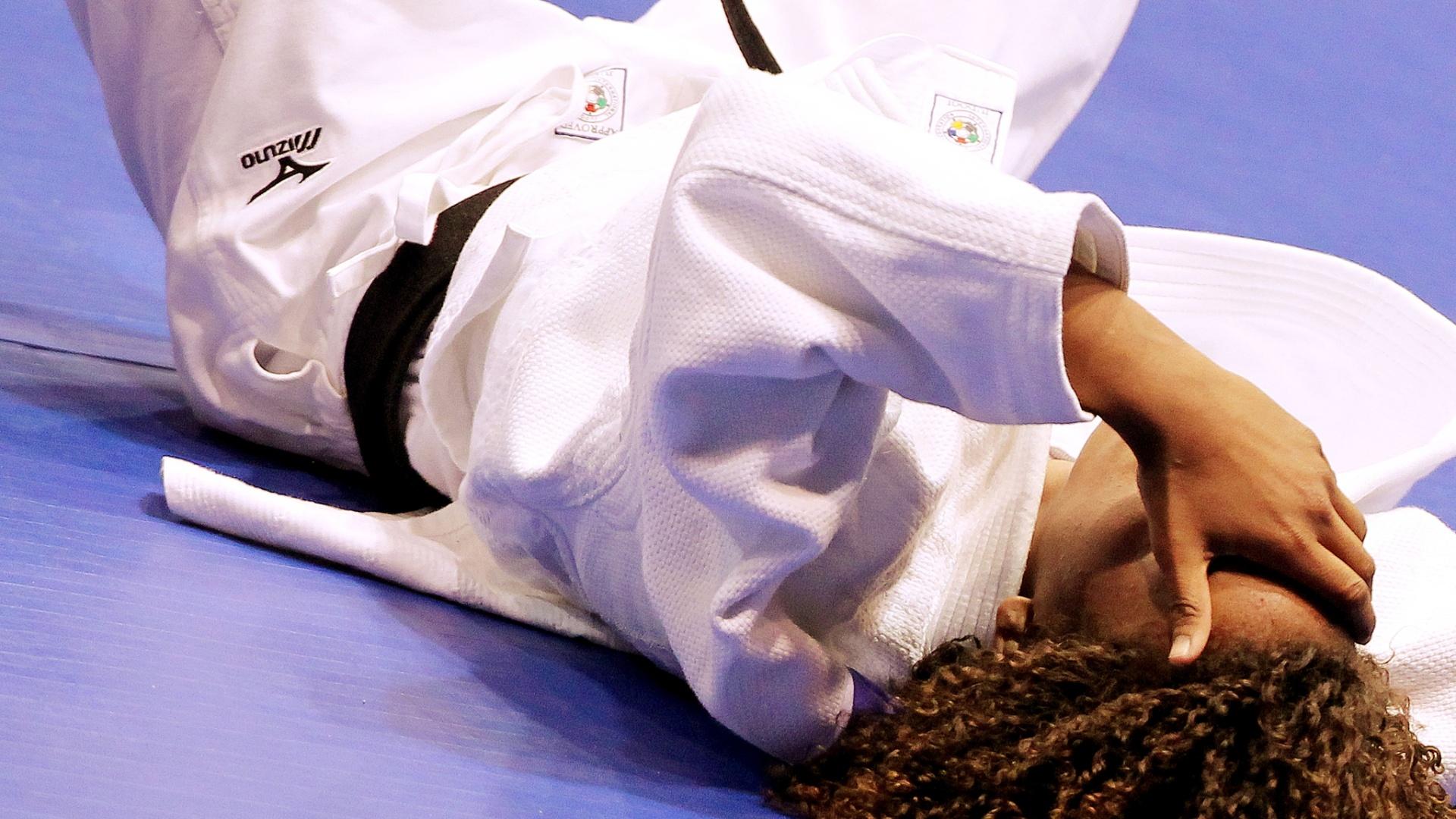Rafaela Silva lamenta perda da medalha de ouro na decisão do Pan de Guadalajara (28/10/2011)
